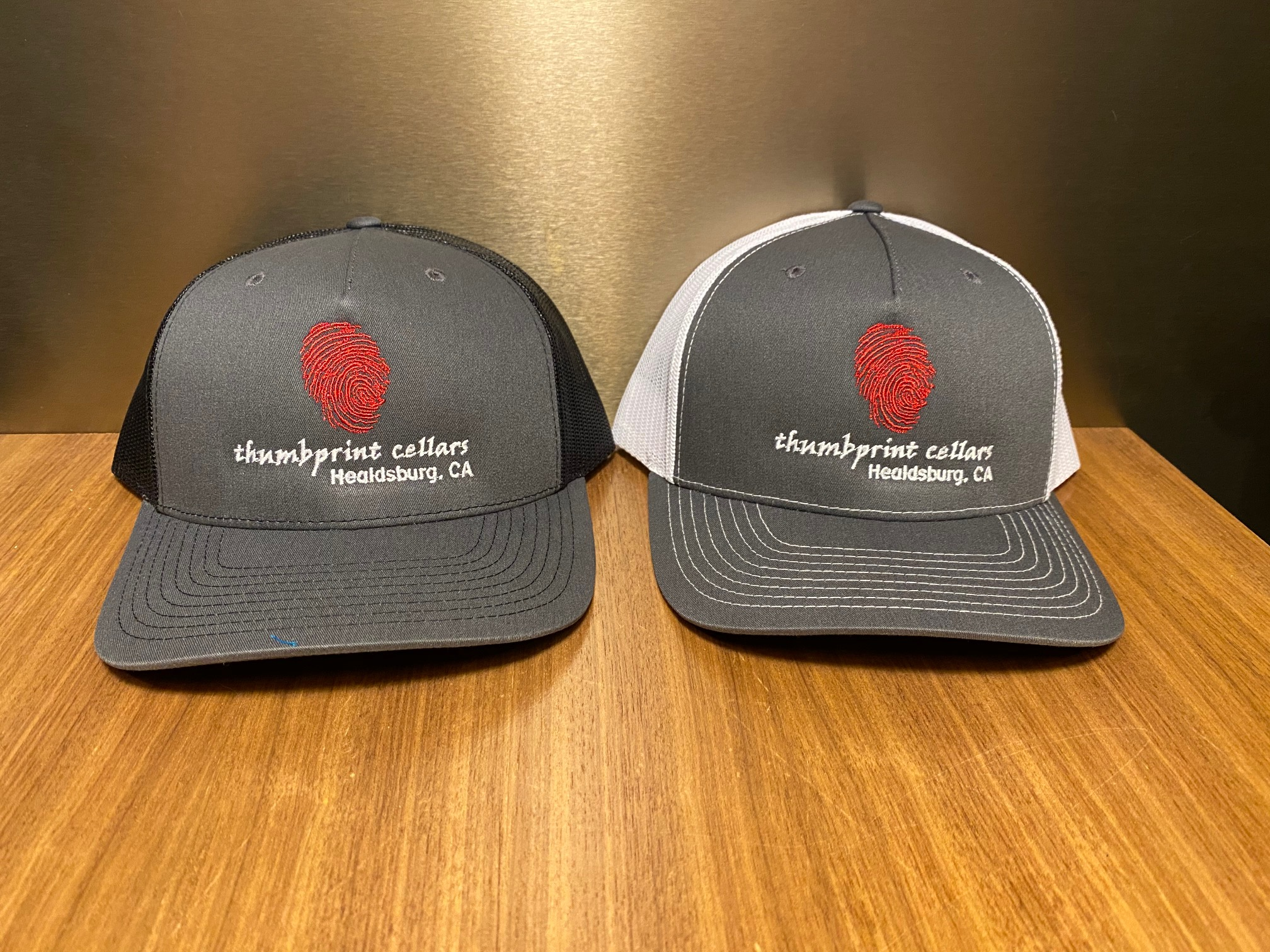 Trucker Hat Charcoal/White - Red Thumb