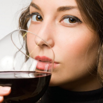 Tasting with lips open