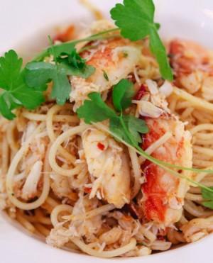 Spicy Garlic Crab Noodles