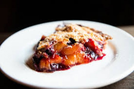 La Duni Peach-Blueberry Pie